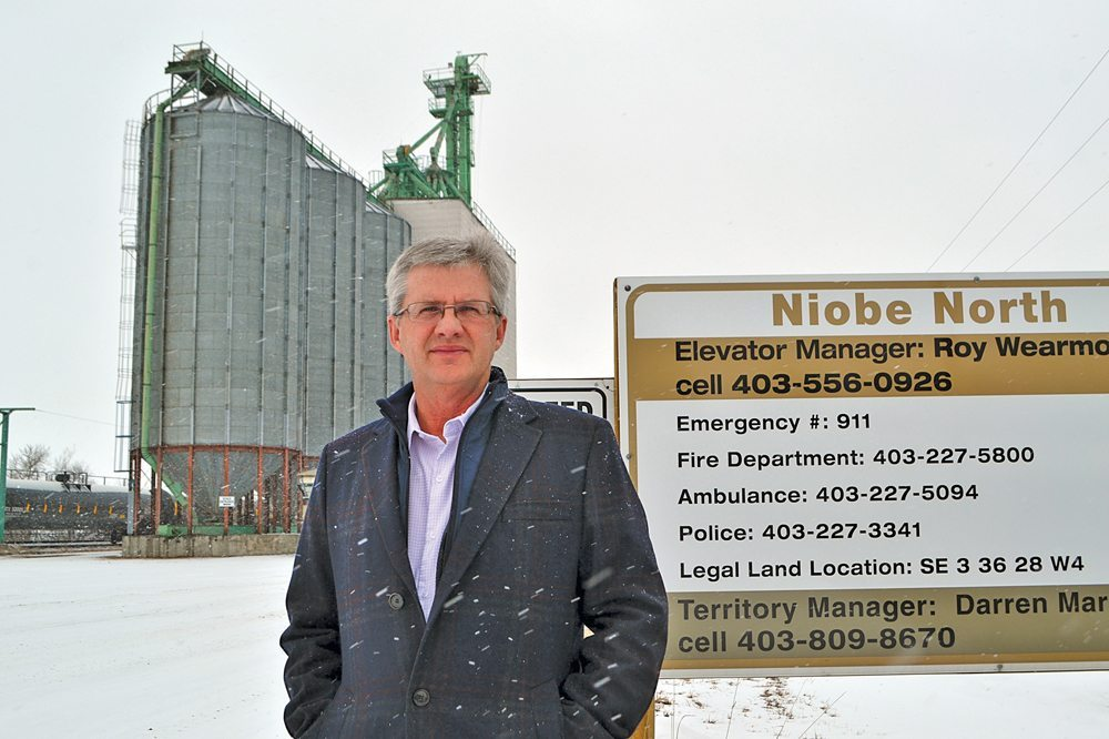 Mike Ammeter pictured at the current Niobe elevator, which will soon have a new neighbour — a super-sized elevator with a cutting-edge loop track.